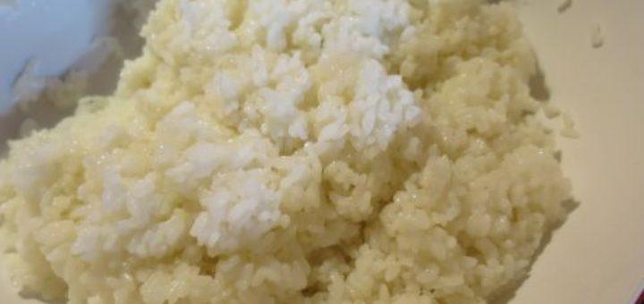 Riz japonais vinaigré au rice cooker allégé