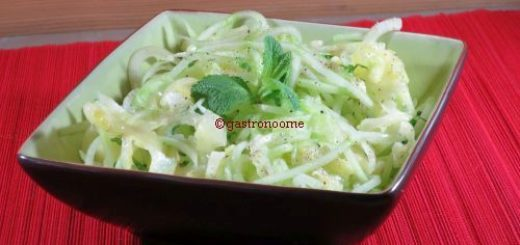 Salade de concombre à l'ananas