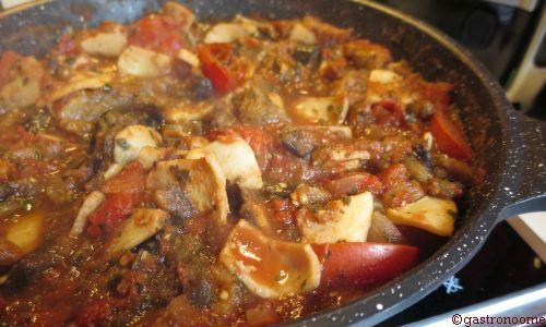 Encornets (ou calamars) à la sauce tomate
