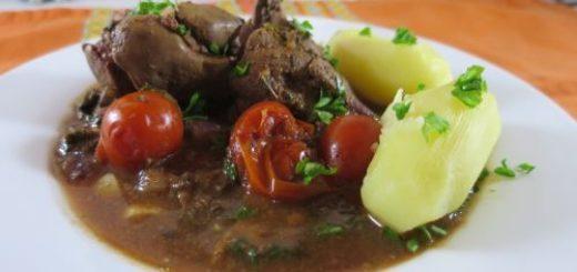 Foies de volaille à la sauce tomate