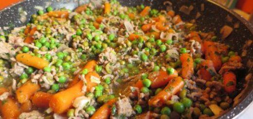 Petits pois carotte à la viande hachée