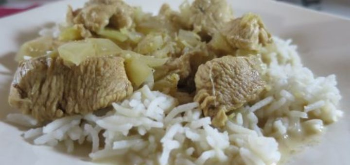 Emincé de poulet aux oignons