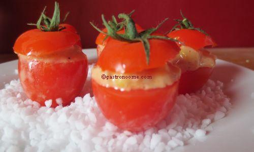 Tomates farcies au thon et au maïs