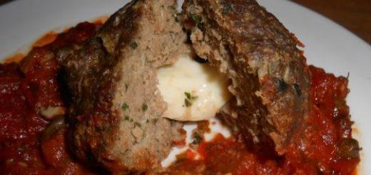 Boulettes de boeuf fourrées sauce Marinara