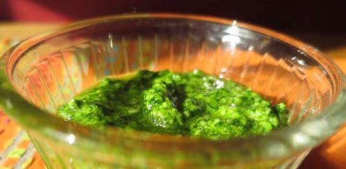 Pesto ail des ours et poudre d'amandes - recette vegan