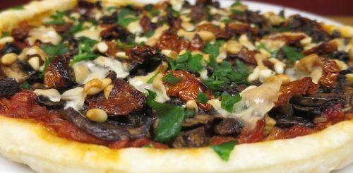 Tarte feuilletée tomates & champignons / recette végétarienne